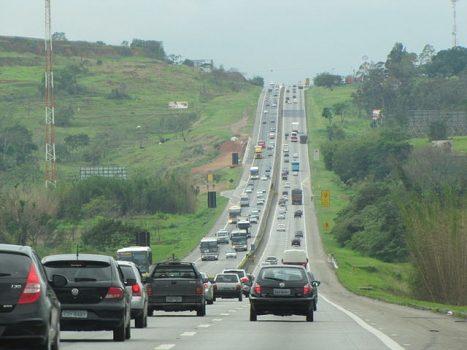 Trecho da rodovia Presidente Dutra