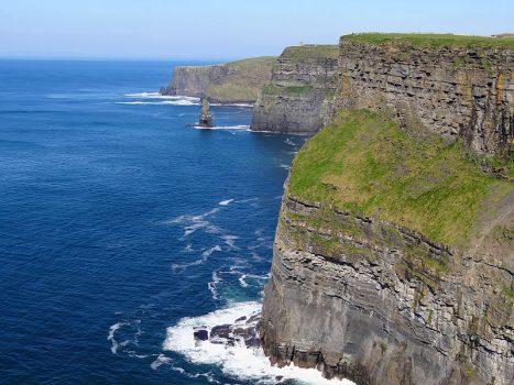 Falésia formada por erosão marinha